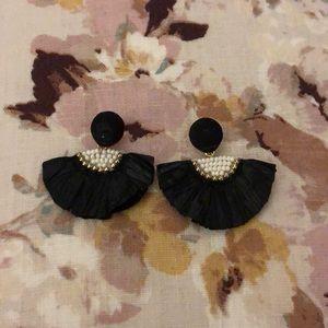 Free People earrings : BLACK | NEW